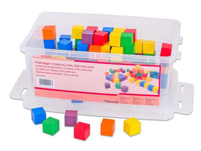 farebné drevené kocky pre použitie na výuku matematiky