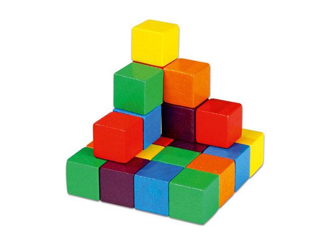 farebne drevene kocky na vyuku matematiky